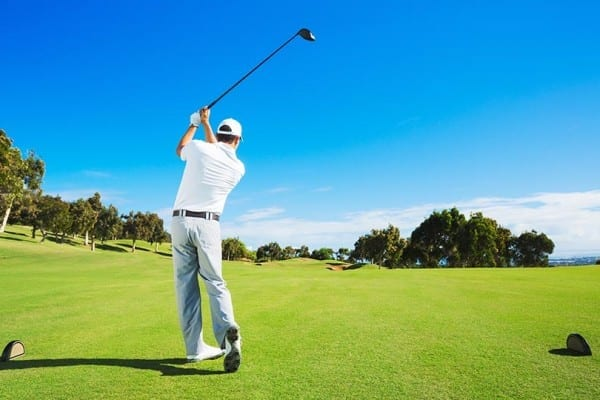 featured_golfer_after_swing